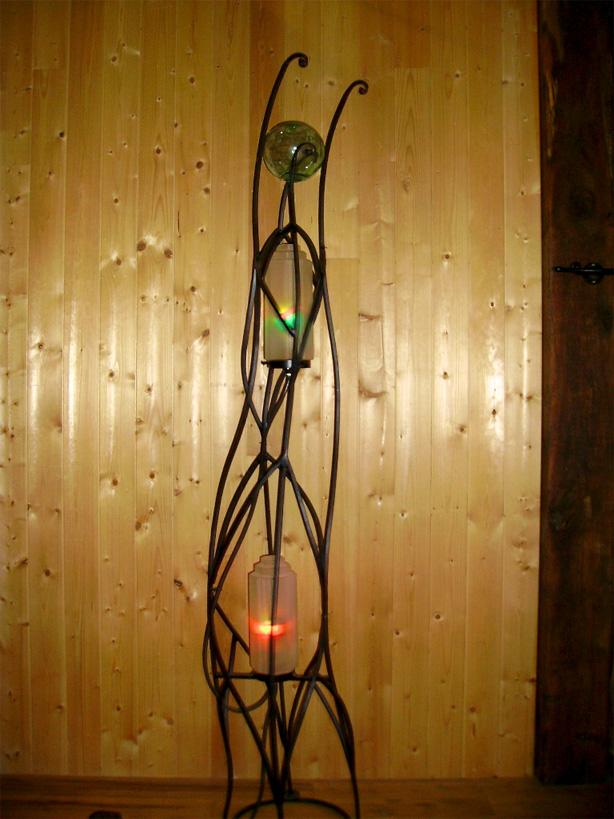 Le verre et le métal sont des choix naturels pour la conception de lampes