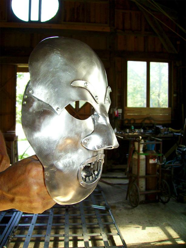 Un autre masque de fer.